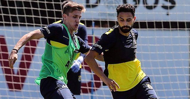 Fenerbahçe, yeni sezon hazırlıklarını sürüdürüyor