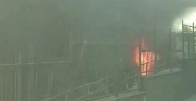 Gaziosmanpaşa'da hastanede çıkan yangın paniğe neden oldu