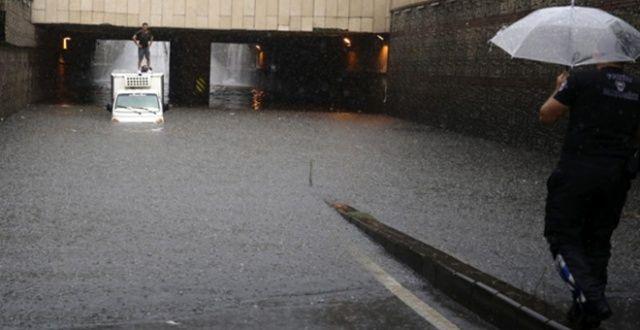 İBB'den vatandaşlara 'sağanak yağış' uyarısı