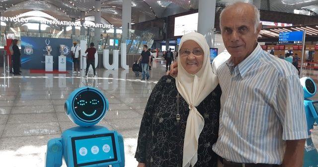 İstanbul Havalimanı'nda robot ile yolcunun güldüren diyalogu