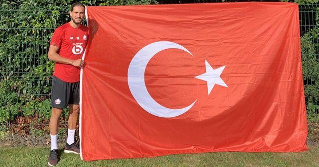 Lille'nin yeni transferi Yusuf Yazıcı'dan Türk bayraklı tanıtım
