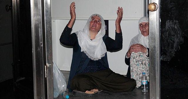 Oğlunun kaçırıldığını öne süren anne, HDP İl Binası'nda oturma eylemi başlattı