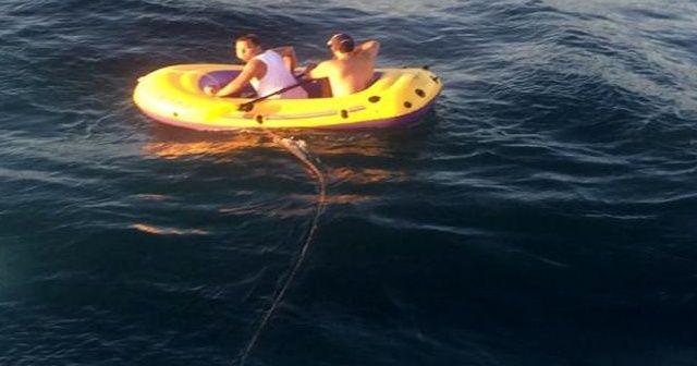 Şişme botla Marmara'nın ortasında 5 saat