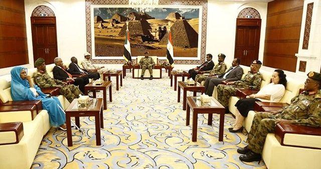 Sudan'da Devlet Başkanlığı Konseyi'nin 11 üyesi göreve başladı
