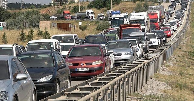 Tatil bitti, trafik yoğunluğu bitmedi