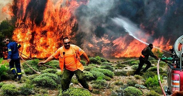 Yunanistan'da orman yangınları yerleşim yerlerini tehdit ediyor
