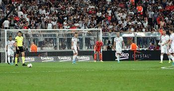 Beşiktaş'ta Quaresma'ya hem destek hem protoste