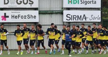 Fenerbahçe önce salonda, sonra sahada çalıştı