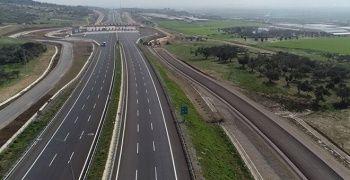 İstanbul-İzmir otoyolundan 26 günde 2.5 milyon araç geçti