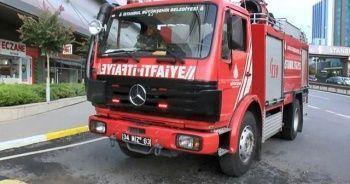 Kadıköy'de AVM yangını! Dumanlar binayı sardı