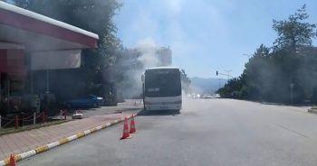 Otobüs alev alev yanmaktan son anda kurtuldu