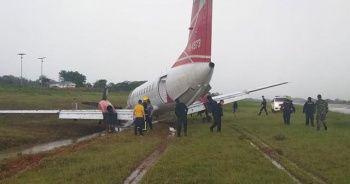 Şiddetli sağanak uçağın pistten çıkmasına sebep oldu