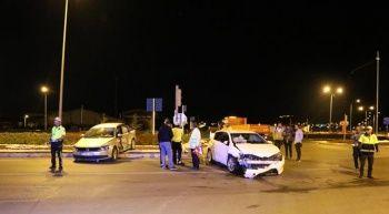 Sivas'ta 2 araç çarpıştı, 10 yaralı var