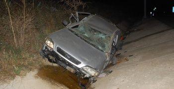 Taklalar atan otomobil hurdaya döndü: 1 yaralı