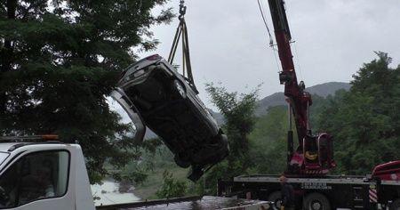 4 kişinin öldüğü otomobil barajdan çıkartıldı