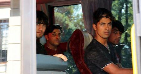 73 Afgan sınır dışı edildi