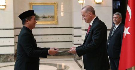 Büyükelçilerden Cumhurbaşkanı Erdoğan'a 'güven mektubu'