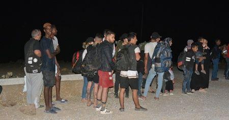 Çanakkale'de 1 günde 320 mülteci yakalandı