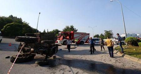 Fındık işçilerini taşıyan traktör devrildi: Çok sayıda yaralı var