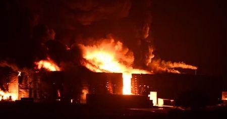 Geri dönüşüm fabrikasında yangın çıktı