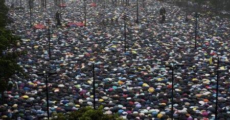 Hong Kong'daki protestoların ekonomiye faturası büyüyor