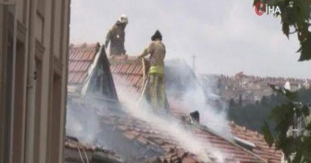 İstanbul Beyoğlu'nda çatı yangını paniğe neden oldu