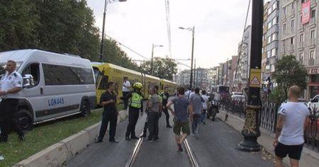 İstanbul'da minibüs tramvay yoluna girdi!