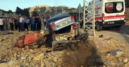 Kozan'da otomobil ile motosiklet çarpıştı