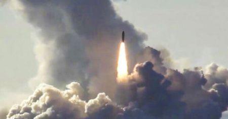 Kuzey Kore Japon Denizi'ne 2 füze attı