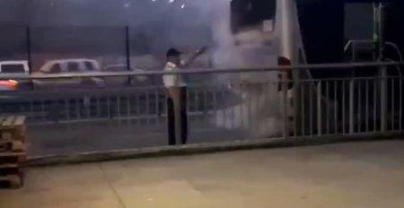 Metrobüs'te yangın! Yolcular tahliye edildi