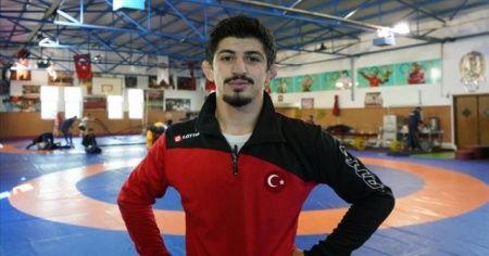Milli güreşçi Kerem Kamal, dünya şampiyonu