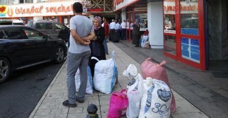 Otogarda bayram yoğunluğu! Memleketlerinden yiyecek taşıdılar