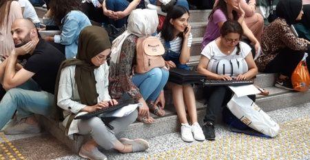 Sınava son ana kadar klavye ile çalıştılar