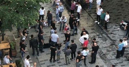 Taksim Talimhane'de meydan kavgası kamerada