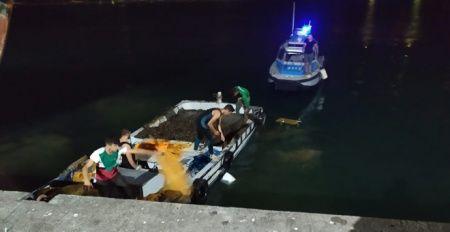 Tekneyi doldurdular! Polis suç üstü yakaladı