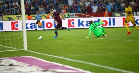 Trabzonspor evinde Yeni Malatyaspor'u 2-1 mağlup etti