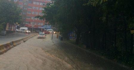 Zonguldak'ta yağmur hayatı felç etti