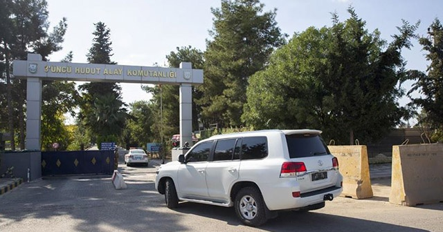 ABD'li komutanlar Akçakale'den ayrıldı