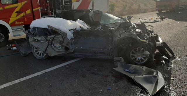 Ankara'da feci kaza: 3 ölü, 3 yaralı