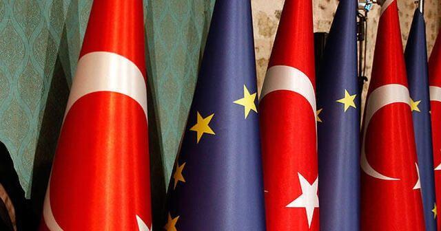 """Bakan Çavuşoğlu'ndan """"Türkiye'ye AB'de özel statü"""" teklifine yanıt"""