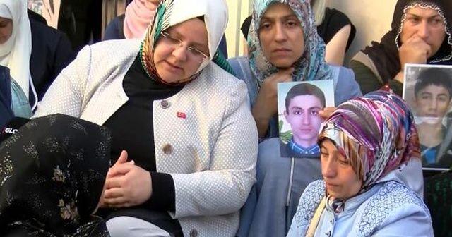 Bakan Selçuk, Diyarbakır annelerini ziyaret ediyor