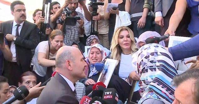 Bakan Soylu 'Diyarbakır Annelerini' ziyaret etti: Dün senin kızın gibi bir kızı getirdik