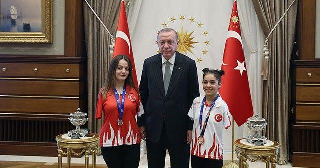 Cumhurbaşkanı Erdoğan paralimpik yüzücüleri kabul etti
