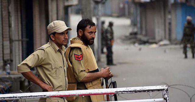 Hindistan, Cammu Keşmir'deki kısıtlamaları hafiflettiğini duyurdu
