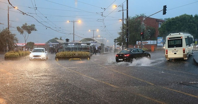 İstanbullular dikkat! Yağış çok kuvvetli olacak...
