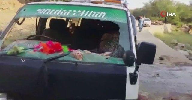 Pakistan'da minibüse silahlı saldırı: 6 ölü, 5 yaralı