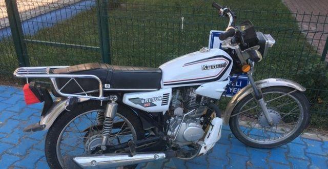 Polisin dikkati motosiklet hırsızlarını yakalattı