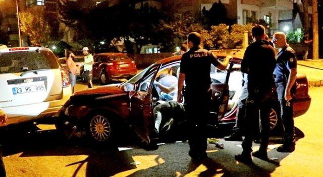Polisten kaçtıkları araçla kaza yaptılar