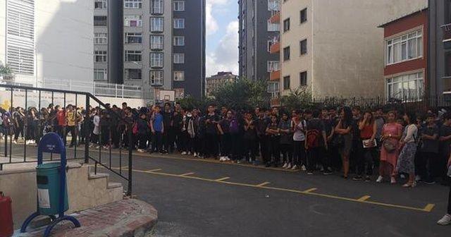 Sancaktepe'de bir okulda korkutan yangın!