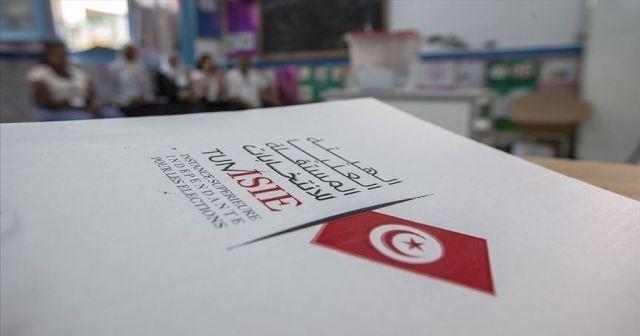 Tunus'ta cumhurbaşkanı seçimi ikinci tura kaldı